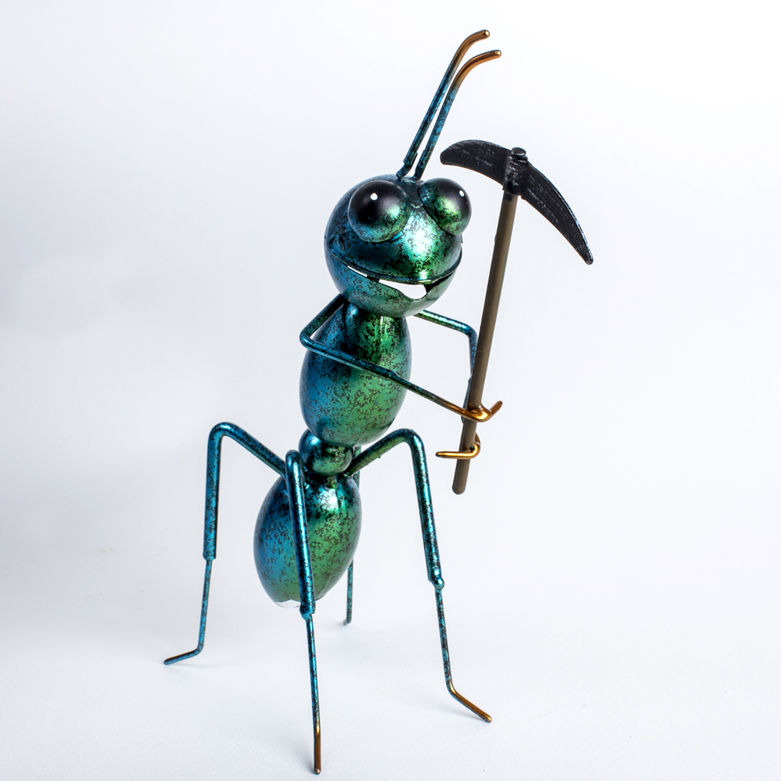 Metal Ant Ready To Dig